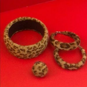 Animal print jewelry set